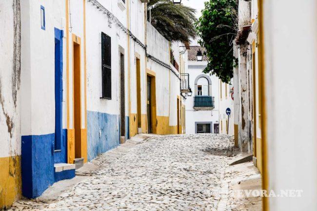 visit evora streets