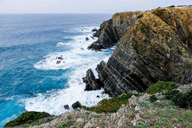 trekking alentejo cliffs