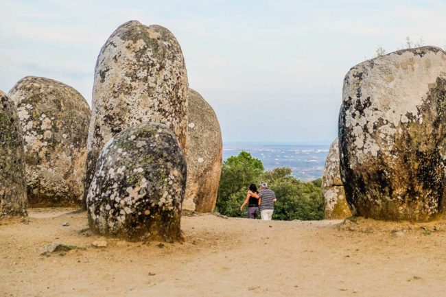 almendres cromelech megalithic