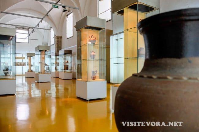 evora museum handicrafts