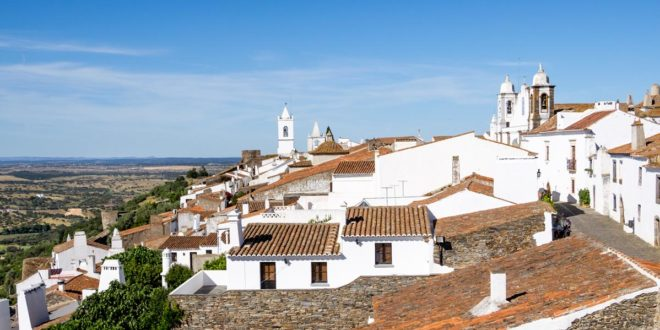 Monsaraz – visit Alentejo medieval village near the sky