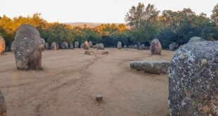 Evora Megalithic Tour (Almendres Cromlech included)