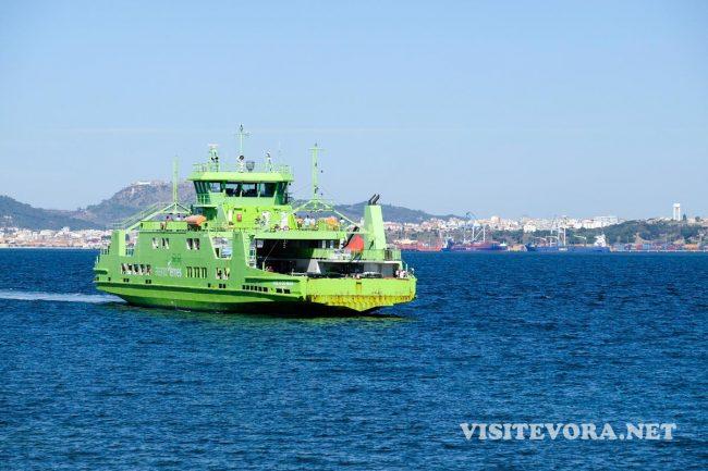 ferry setubal troia
