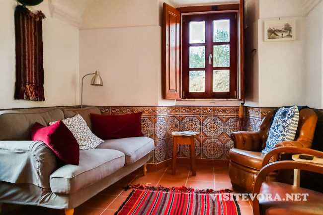 evoramonte guesthouse