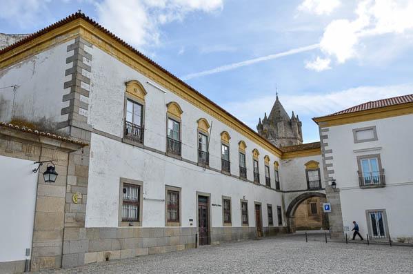 Biblioteca Evora Publica