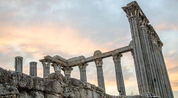 foto evora templo romano