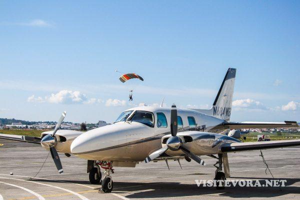 paracaidas evora avion