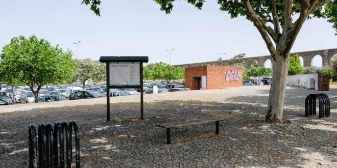 Estacionar Evora