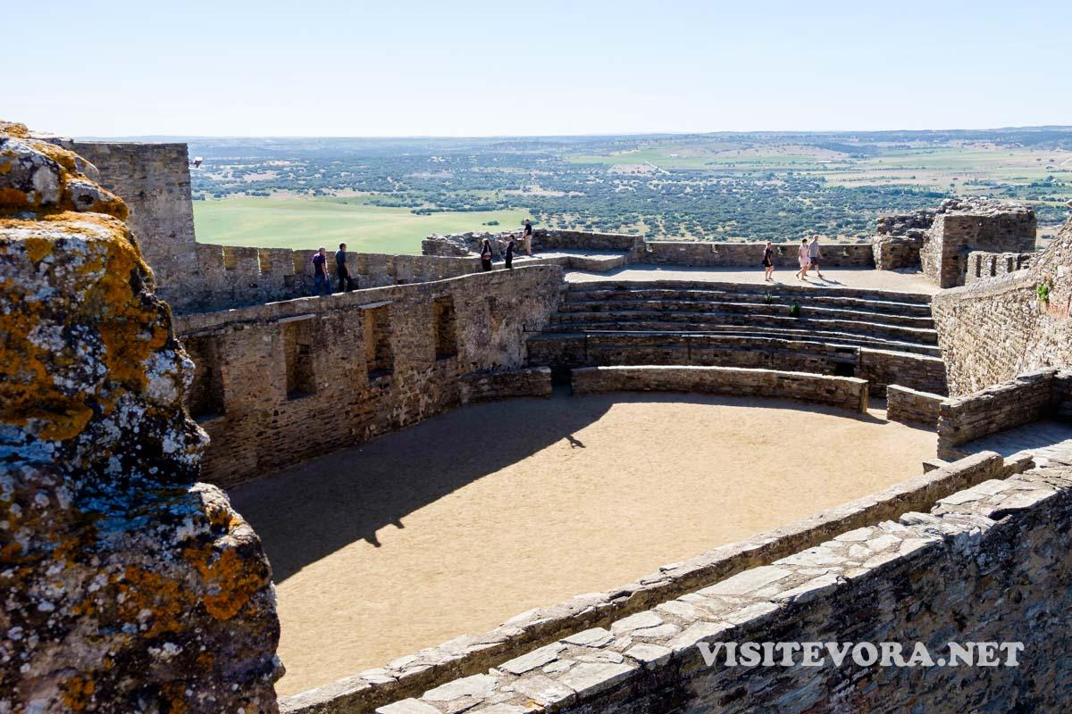 monsaraz castelo praca