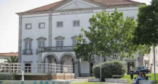 Teatro Garcia Resende Evora
