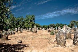 Cromeleque dos Almendres, Évora