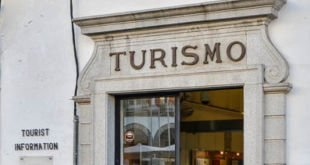 Posto Turismo Praca Giraldo Evora
