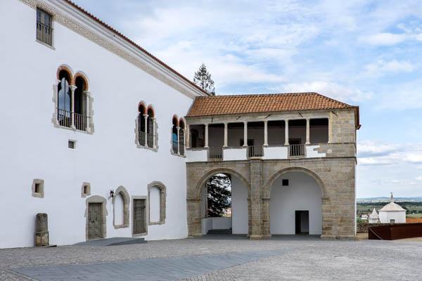 Palácio dos Condes de Basto, Pátio de São Miguel