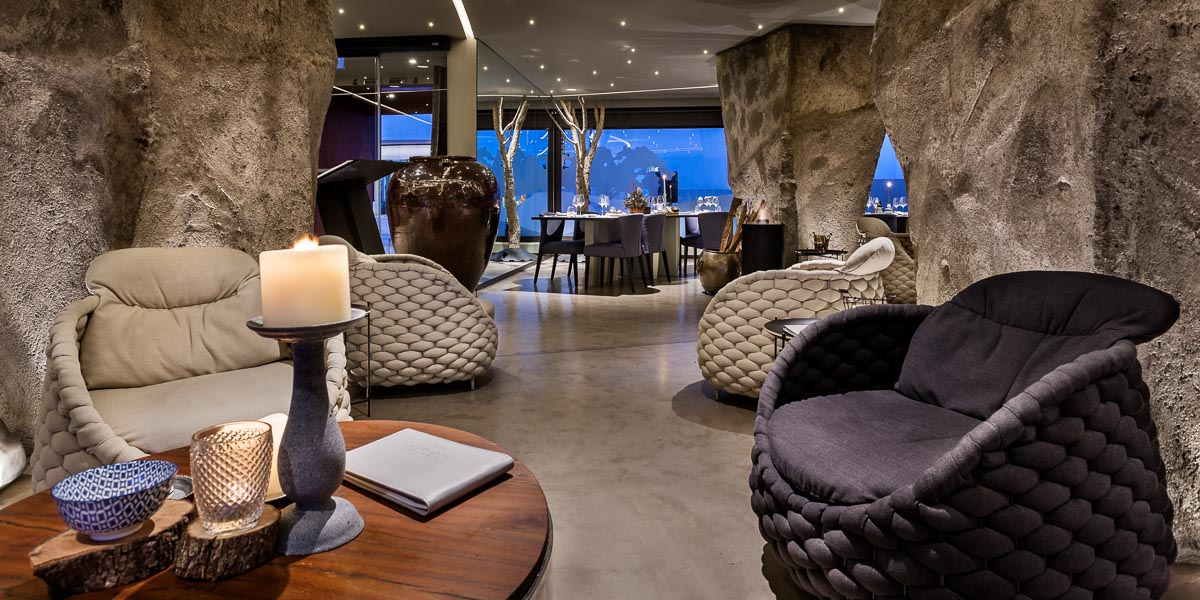 Vitória Stone Hotel - Évora e Alentejo aguardam no interior