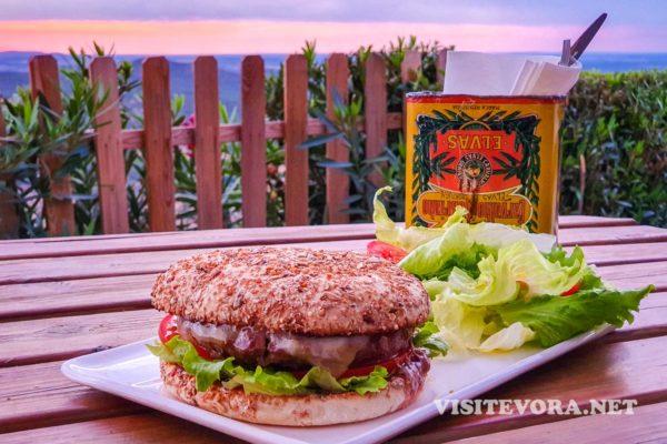 guesthouse Evoramonte comida