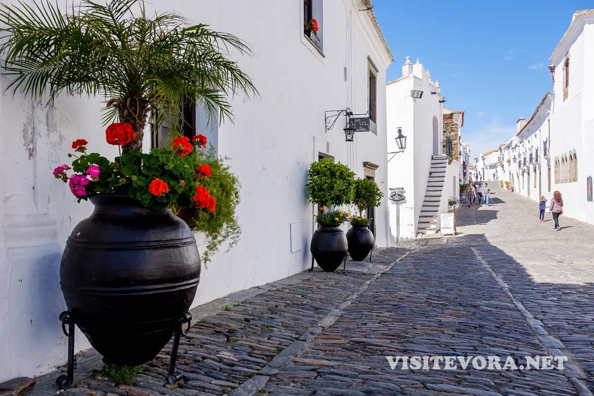 vila mais bonita alentejo Monsaraz